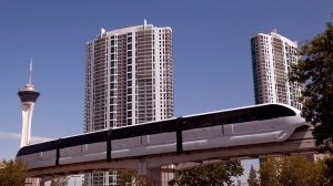 Turnberry_Towers_Las_Vegas_Monorail